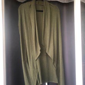 Sweaters - Short sleeve, army green cardigan